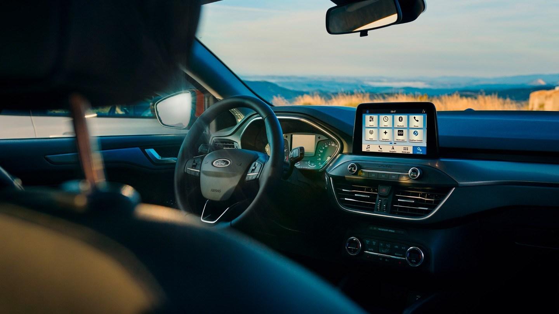 Ford Focus Active Image 2.jpg (142 KB)