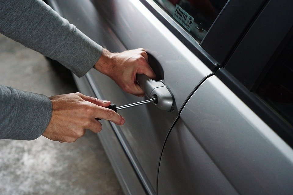 car theft.jpg (119 KB)