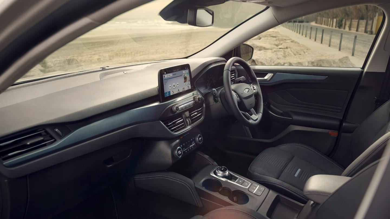 ford focus interior .jpg (191 KB)