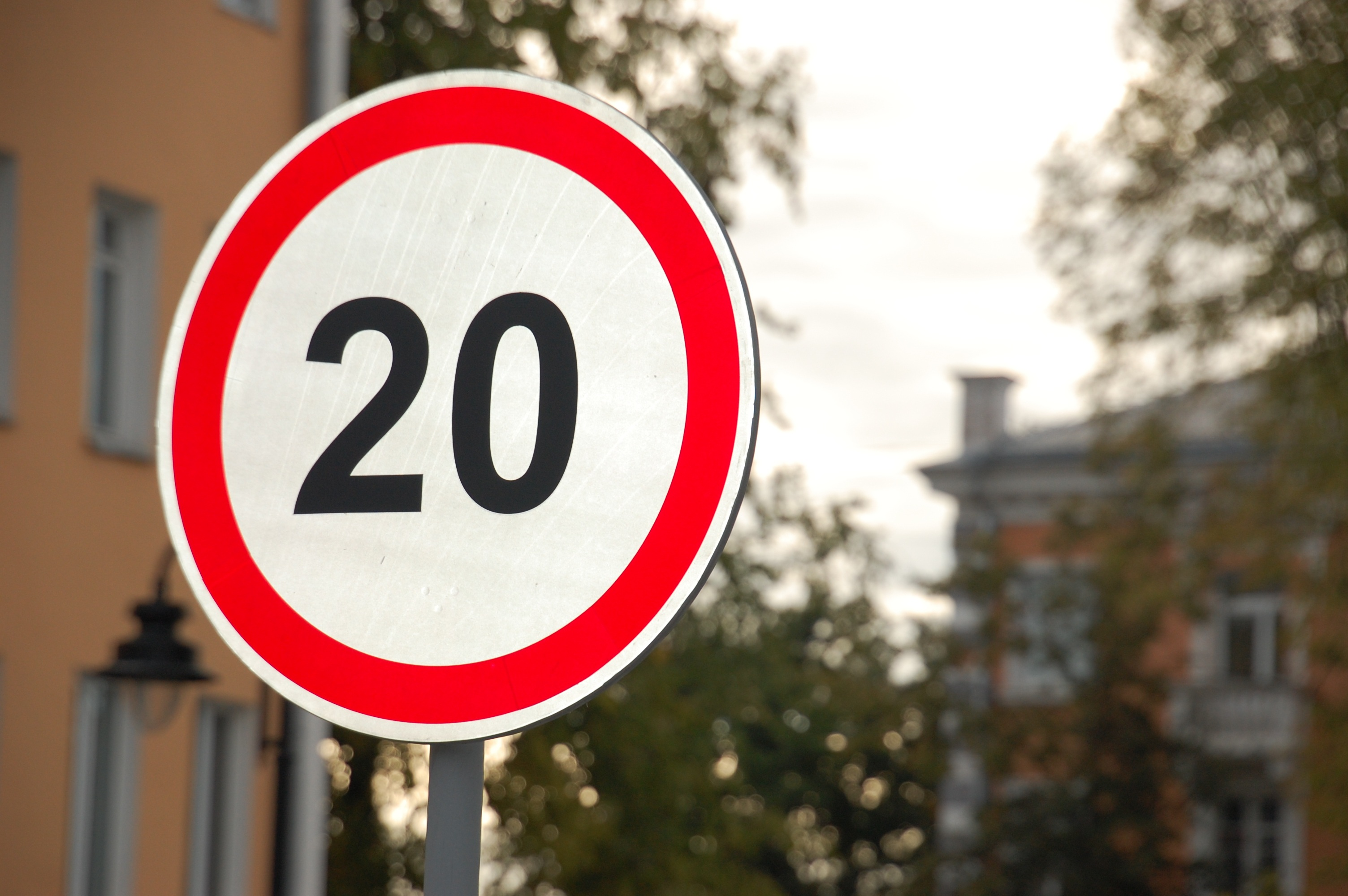 Congestion Charge Zone to get a 20mph limit image  .jpg (874 KB)