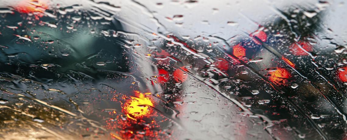 driving-in-rain.jpg (99 KB)