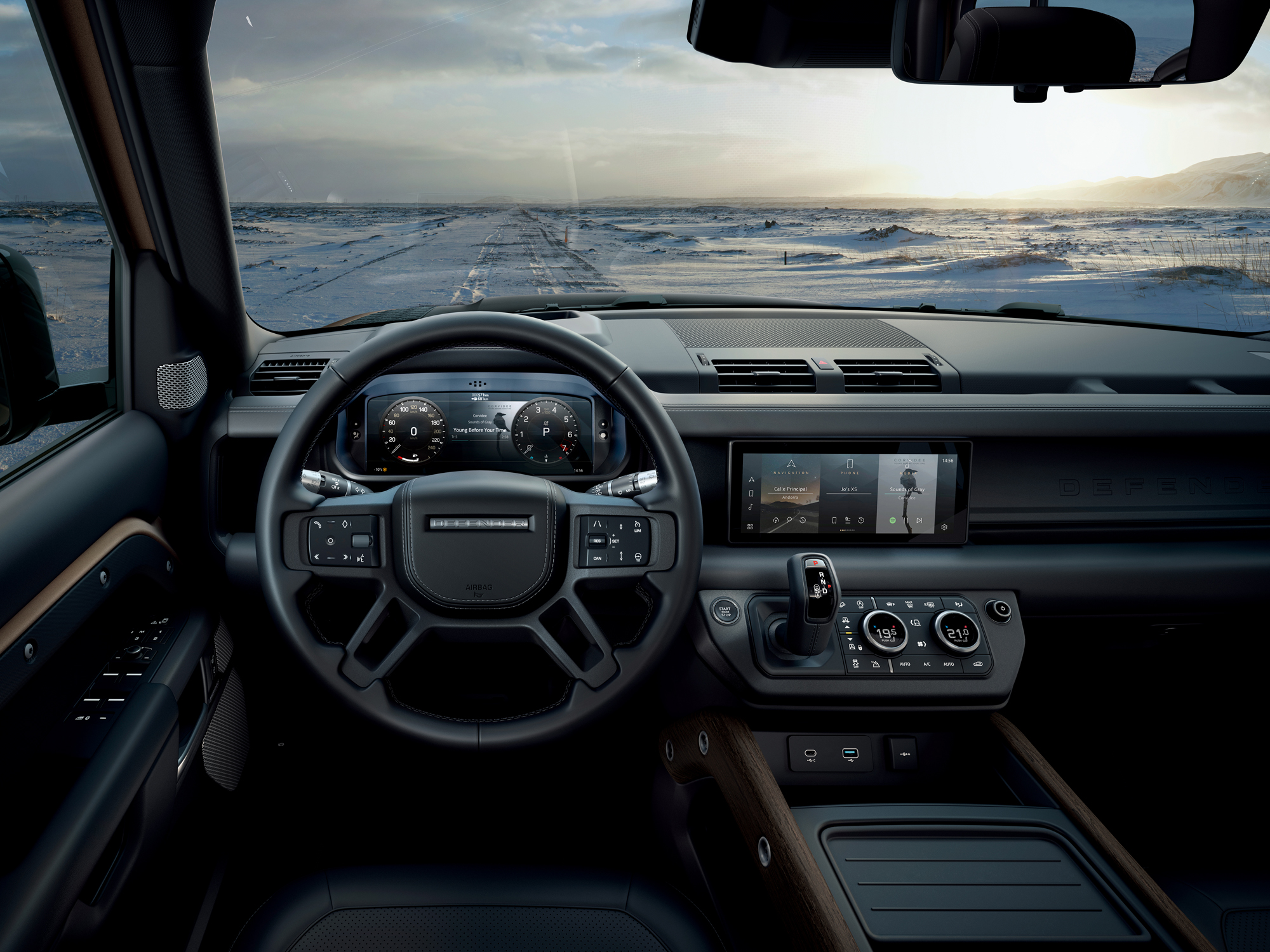 land rover unveils new defender interior image.jpg (1.47 MB)