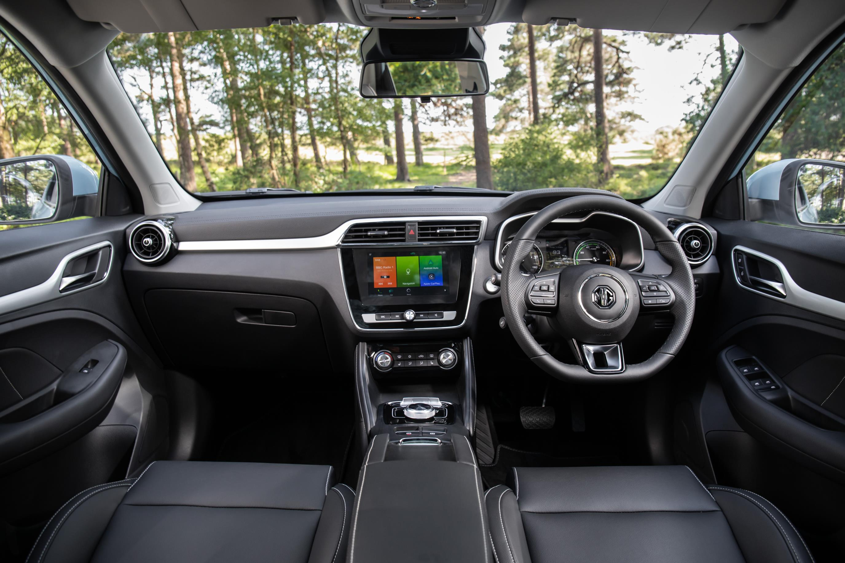 MG ZS EV interior.jpg (468 KB)