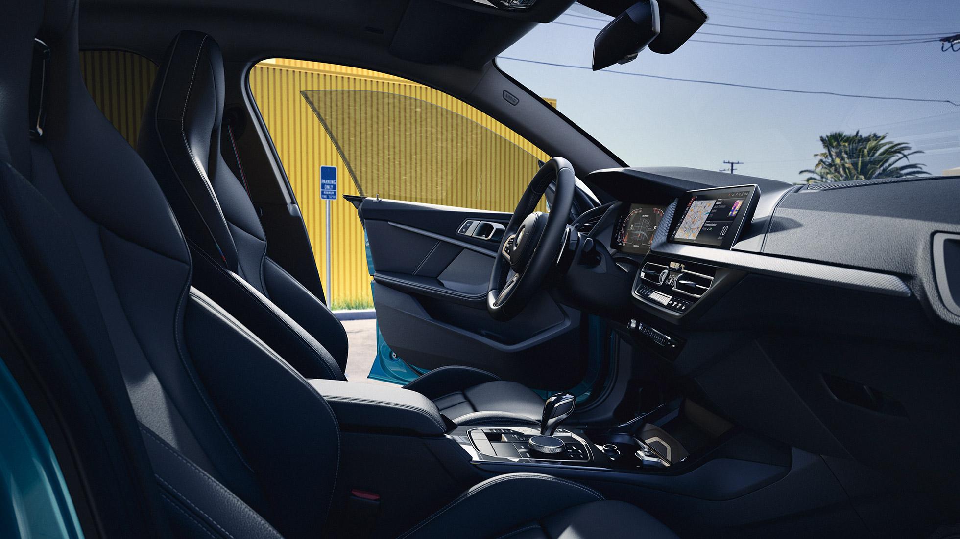 2 series gran coupe interior.jpg (401 KB)