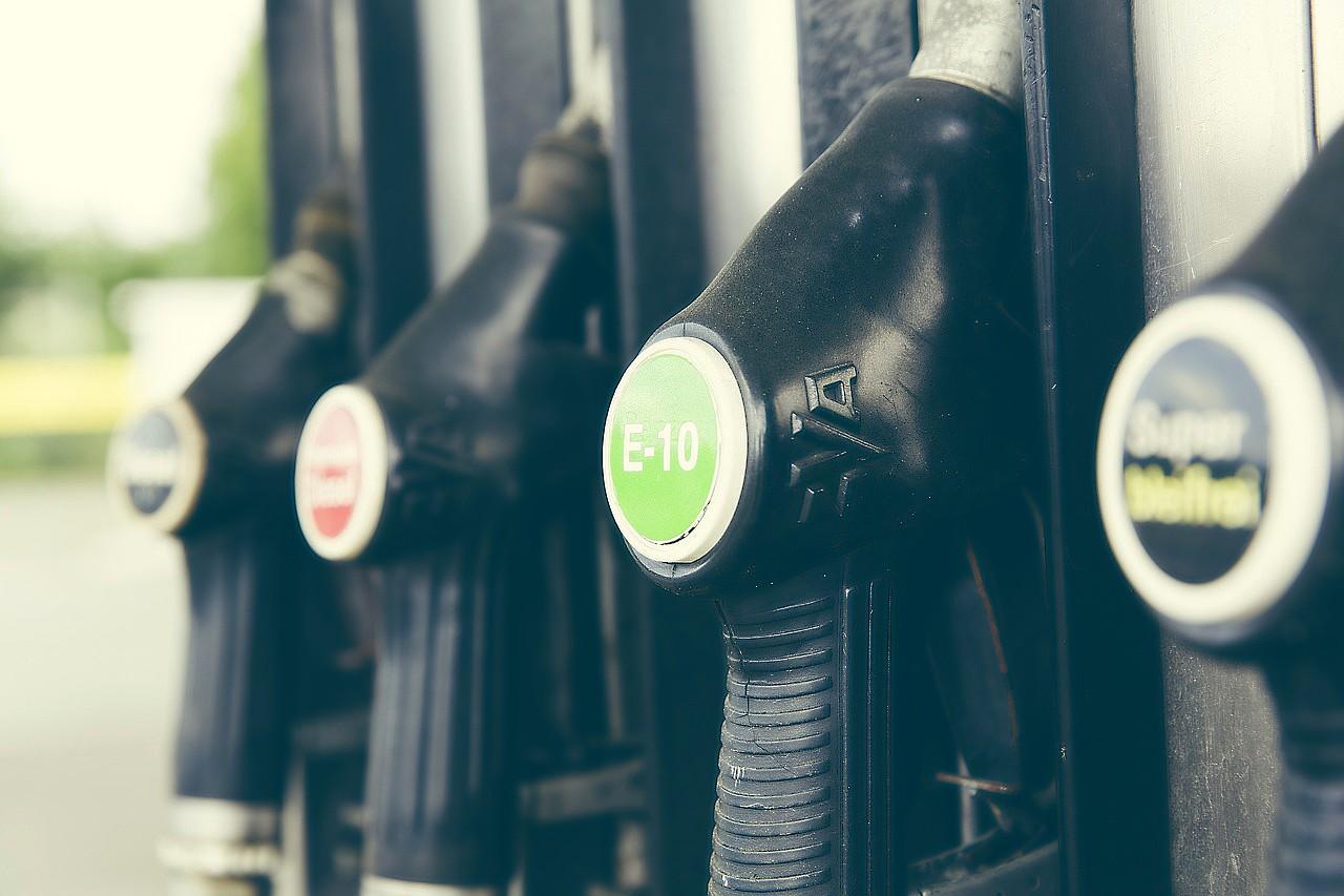 E10 petrol.jpg (176 KB)