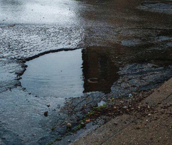 pothole.jpg (118 KB)